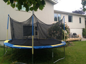 14' Trampoline with Enclosure