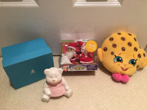 Holiday Calico critters & mastermind toys