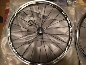 Roues Shimano Dura-Ace WH-9000-C35-CL