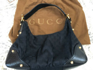Classic Gucci Handbag (black with gold)