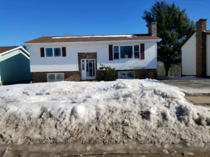 Beautiful family home in North Moncton!
