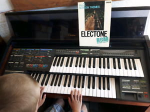 Yamaha electone 700 self playing Organ