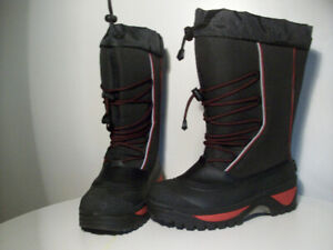 WiNTER BOOTS NEW BAFFiN POLAR-PROOF SiZE 9
