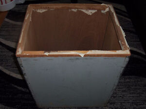 Wooden Antique shipping tea chest from the UK BOPF PAGILARAN