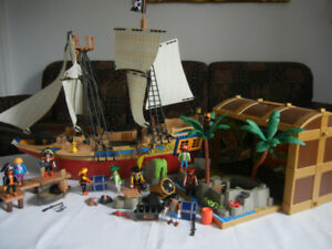 Playmobil Pirate Ship and Carry Along Case