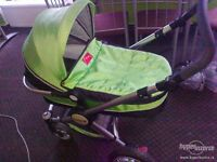 Makalu 3 in 1 Pram, carrycot, pushchair system like new