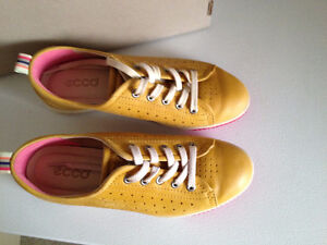 Ecco Spin Shoes Size 7