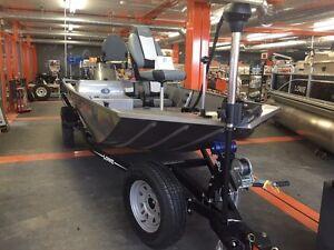 2016 Lowe Boats Stryker 17