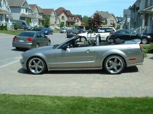 2008 Ford Mustang GT Premium convertible seulement 19000 km