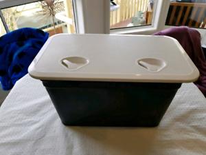 Deluxe storage hatch