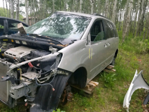 2006 Toyota Sienna Full part out only