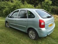 Cheap Citroen Picasso 1.6i manual - years mot - full service inc cambelt