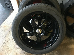 Boss 335 rims 5 x 114 powder coated black