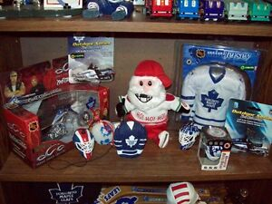 Vast Toronto Maple Leafs Hockey Memorabilia Collection Cambridge Kitchener Area image 4