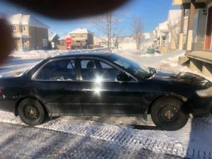 Honda accord lx 4 portes noir 1800$