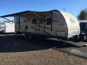 Beautiful 28' Freedom Express $120.00 bi-weekly!