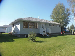 3 bedroom home, with a ready to finish basement in Elnora!