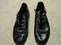 CURLING SHOES ADIDAS MENS SIZE 8 1/2