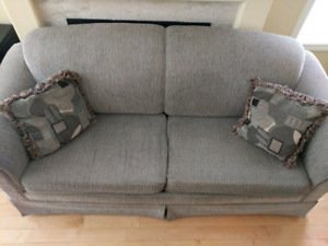 Couch with pull-out bed