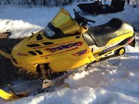 2000 Skidoo MXZ 700 complete part out
