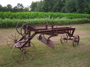 ANTIQUE HORSE DRAWN GRADER