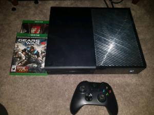 Xbox one 1tb 3 disk games and over 30 on console