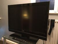 """LG 32"""" HD ready LCD TV with remote"""