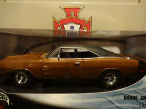 selling a hot wheels scale 1-18 die cast metal 1969 dodge charge