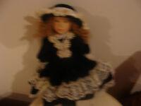 magnifique poupée en porcelaine (3)