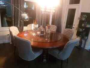"72""round dining table with glass top. Oakville / Halton Region Toronto (GTA) image 9"