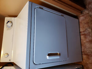 G.E. ELECTRIC DRYER