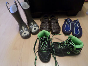 Baby Boys Clothes Size 2T & Shoes London Ontario image 2