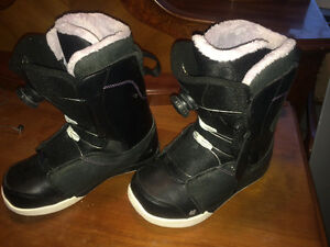 K2 women's size 9 Snowboard Boots