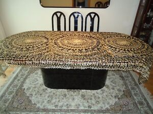 Beautifully Embroidered Dining Table Covers West Island Greater Montréal image 4