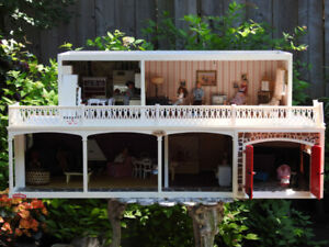 VINTAGE LUNDBY SWEDEN DOLLHOUSE WITH FURNITURE AND DOLLS