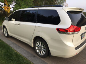 SELLING 2011 Toyota Sienna 5dr V6 Limited 7-Pass AWD Minivan