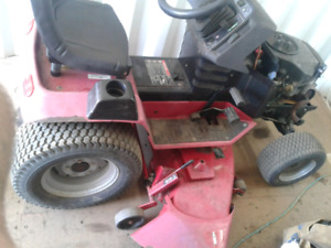 MAY ACCEPT TRADE OF MEDIUM, *LOW, UTILITY TRAILER+TAIL RAMP-$900