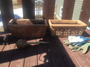 Made in Italy/. terra Cotta  Planters x 2 /// Mint
