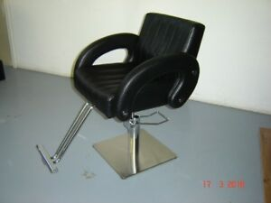 Styling/barber chair