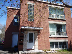 sun filled large 3-bed plus office 10 minutes from downtown