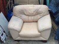Cream Leather Single Arm Chair (FREE)