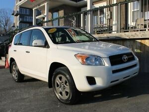 2012 Toyota RAV4 / 2.5L I4 / Auto / 4x4 **Trusted/Reliable**
