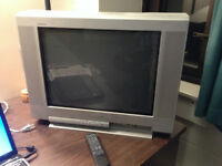 21'' SONY TV with remote for sale