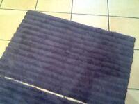 👣2 navy fluffy heavy bath mats /rug