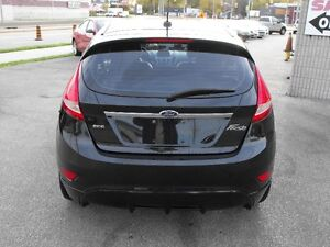 2011 FIESTA SES  HATCH  LEATHER  SUNROOF  LOADED  NO ACCIDENTS.. Windsor Region Ontario image 6