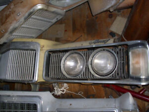 1974 Ford Mercury Cougar XR7 Grill Assembly