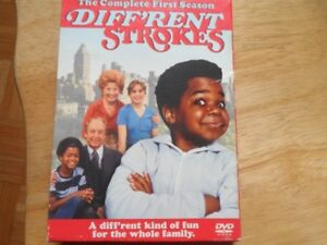 DVD - COMPLETE FIRST SEASON - DIFFERENT STROKES