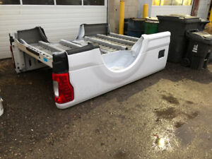 2017-2018 Ford F-250 f350 new take off box 8' with tailgate