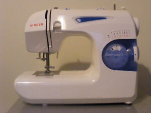 Singer Featherweight 2 - Sewing Machine
