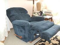 2 very good condition recliners